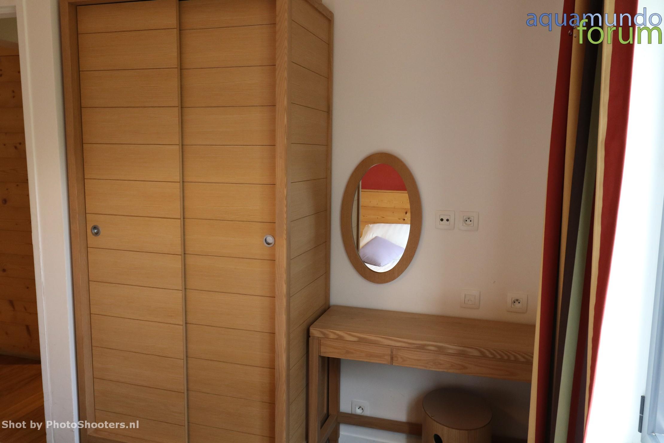 Center Parcs Les Hauts de Bruyeres 12P VIP Cottage (5).JPG