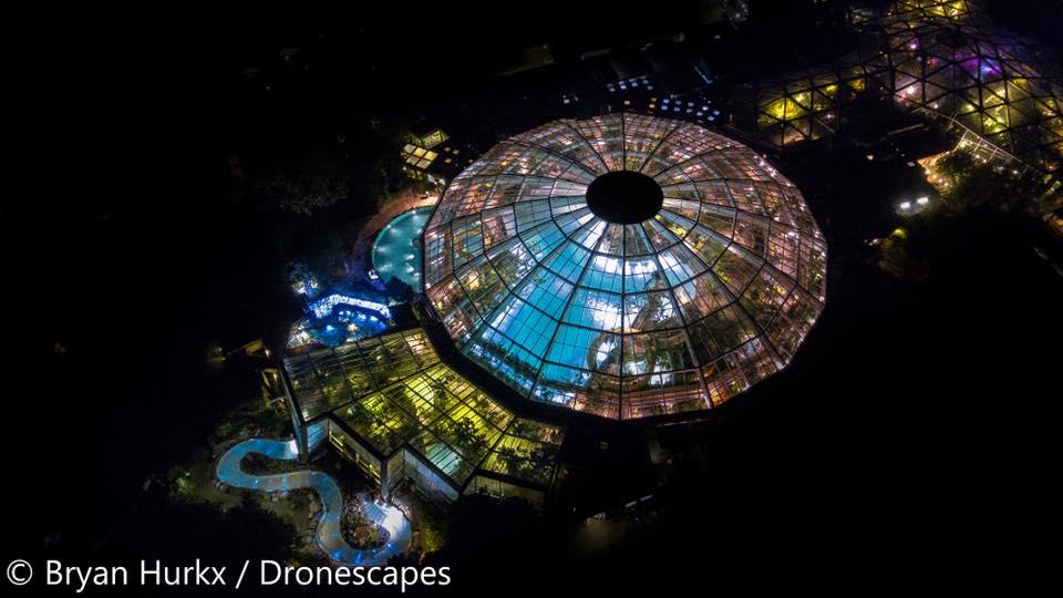DronescapesNL Aqua Mundo De Kempervennen bij nacht.jpg