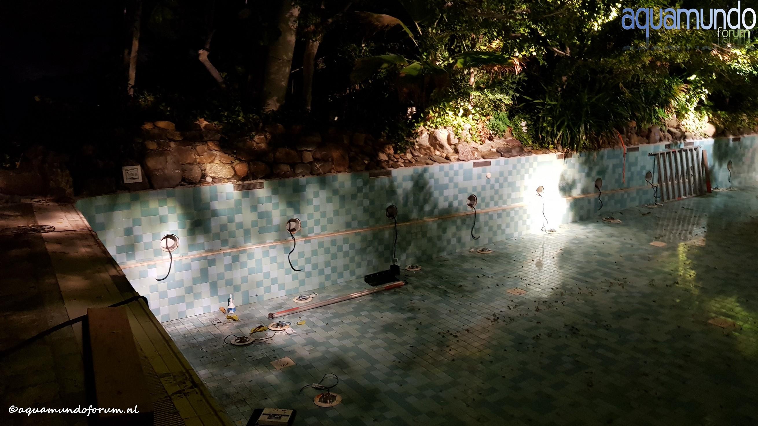 Onderhoud 25 meterbad Aqua Mundo Center Parcs De Huttenheugte (6).jpg