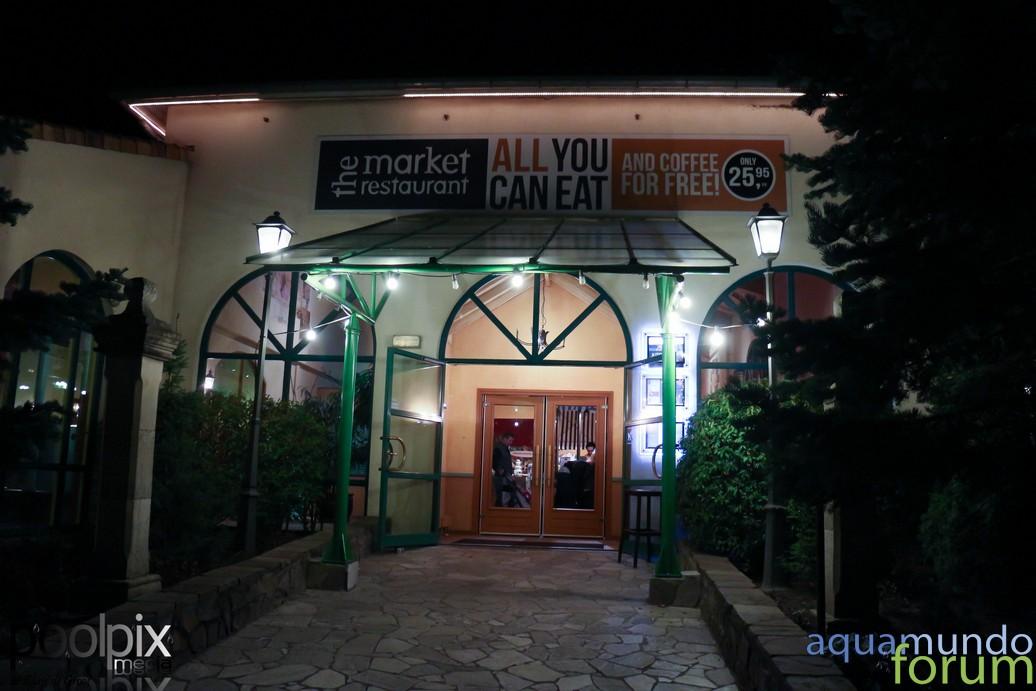 Market Square Center Parcs De Eemhof Bij schemering en avond-6.jpg