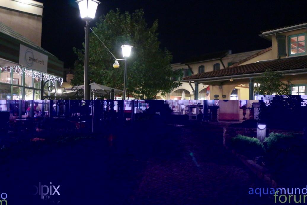 Market Square Center Parcs De Eemhof Bij schemering en avond-4.jpg